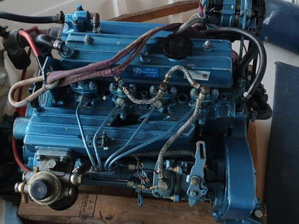 SLEVA  lodní motor RENAULT MARINE Diesel 45Hp