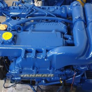 lodní motor YANMAR Turbo Diesel 4 válec po servise