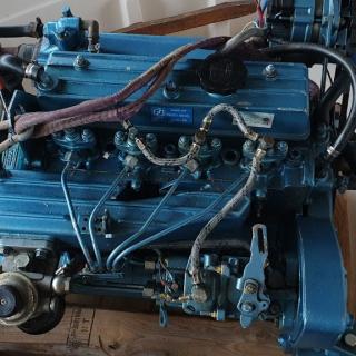 vestavěné lodní motory DIESEL :  Yanmar , Reanault Marine, Volvo Penta